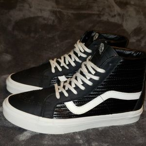 Van's Mens Sk8 Hi black leather HighTop Sneaker